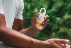 PARAKITO voděodolný sprej pro silnou ochranu BÍLÝ(FNGSPN3CZ)