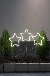 Venkovní dekorace Neonstar 220 cm x 60 cm-Sada 3 hvězdiček vyrobená v technologii NEON LED. Hvězdy svítí velmi efektivně, LED diody jsou neviditelné, protože světlo je rovnoměrně rozloženo. Dekorace napájená 230V a přizpůsobená vnějším podmínkám.