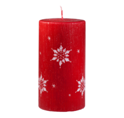 Svíčka Ice Nature Red Vánoční 80x150 Unipar-Prémiová vánoční svíčka v matné červené barvě s bílým motivem sněhových vloček. Přírodní vzhled je dotvořen ručně škrábaným povrchem.  Svíčka je bez balení.  Barva: červená s dekorem sněhových vloček Velikost: velká (80x150 mm) Doba hoření: 87 hodin Tvar: válec